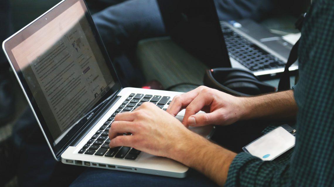 Samenvatting scriptie schrijven. Uitleg en voorbeeld